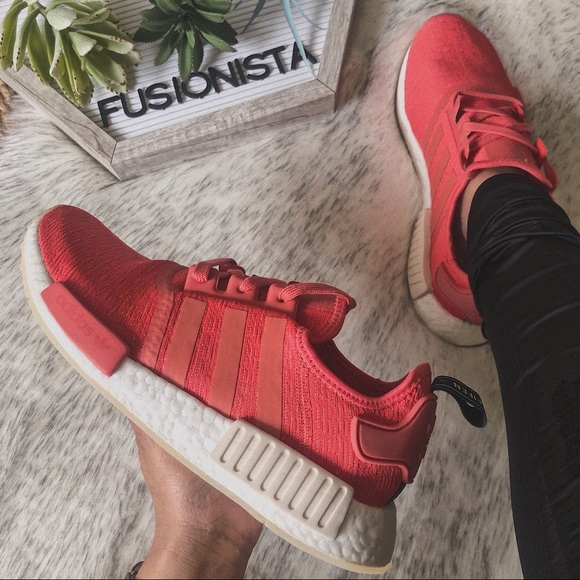 New in box Adidas NMD r1 8.5 Womens coral NWT